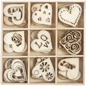 Égetett fa furnér dekorációs díszek - Love - 9db