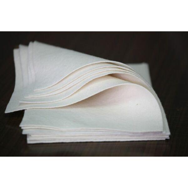 Pihe - puha gyapjúfilc lap - fehér