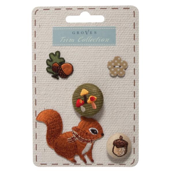 Hímzett gomb és applikáció szett - mókus