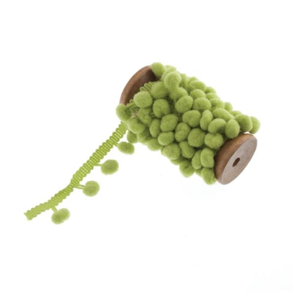 Zöld színű pom-pom szalag fa orsón - 2m
