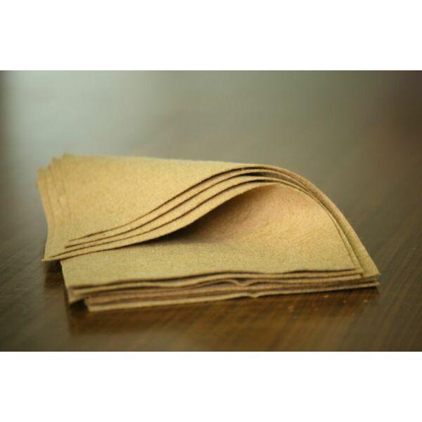 Pihe - puha gyapjúfilc lap - drapp